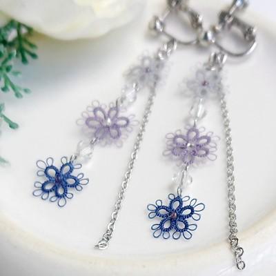 人気の3色小花のイヤリング