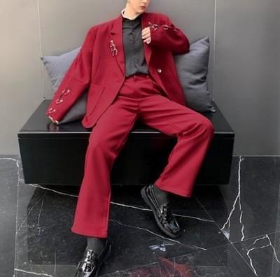 大人気セットアップ☆サーキュラーピアス型アクセサリー付きスーツ