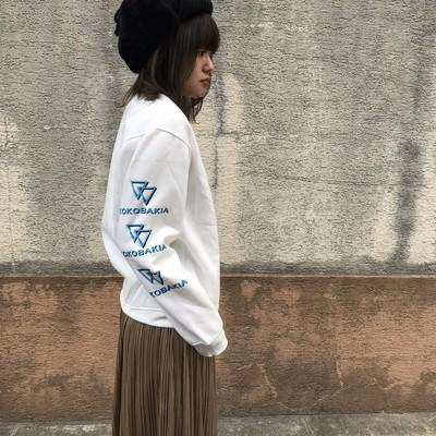 激安 ストリートファッション 通販 の両袖イラスト プリントスエット(ホワイト) のご紹介 です。