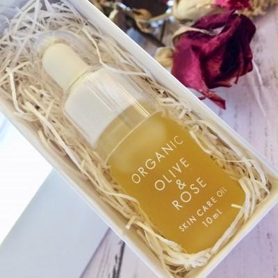 エイジングケアや肌の保護・保湿に使いたい美容オイル【国産オーガニックオリーブ&ローズスキンケオイル】