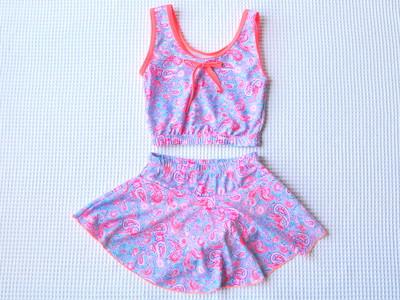 女子心をくすぐる淡い色味のペイズリー柄水着(対象年齢:6~7歳)