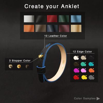 足元を飾る本革アンクレット。色の組み合わせで自分だけのオリジナルを作ろう。