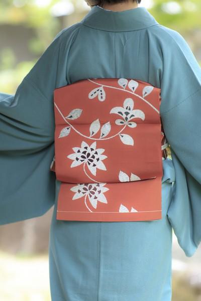 【おすすめ商品紹介】朱色にツタと花模様 洒落袋帯