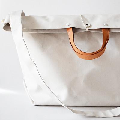 白いバッグを育てる楽しみ方
