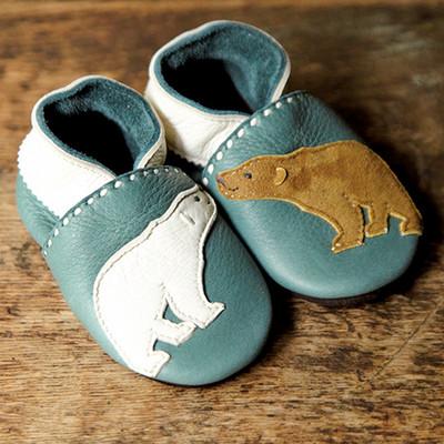 歩き始めた赤ちゃんに贈る、手作りのベビーシューズ!