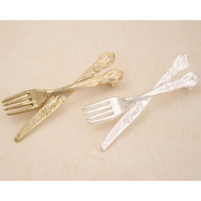 定番人気でお手頃価格のフォーク&ナイフ ブローチ