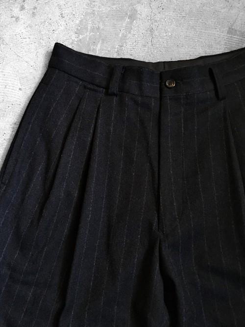 stripe tuck trousers