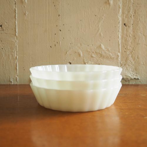 Arcopal(アルコパル)のマドレーヌ型風小皿