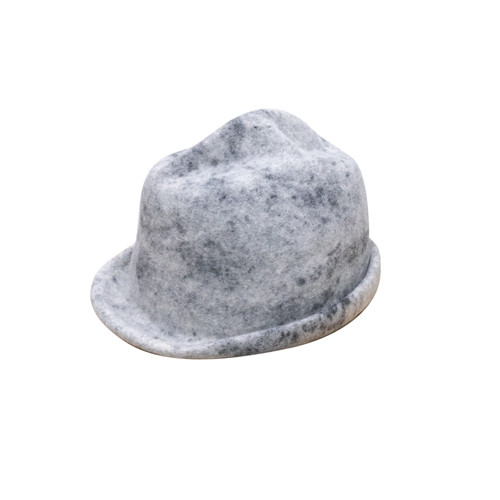 CRUMPLED HAT/black spot