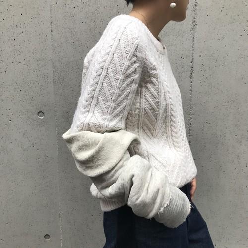 CRY./ケーブル編み袖コンシャスニット