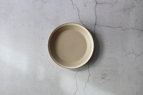 木村硝子×イイホシユミコ【Yumiko Iihoshi porcelain】 20cmプレート dishes 200 plate (sand beige) /matte