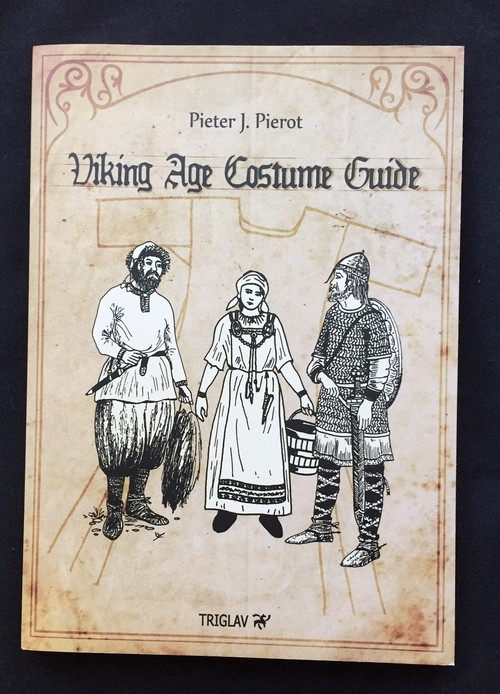 Viking Age Costume Guide (ヴァイキング時代の衣装ガイド)洋書