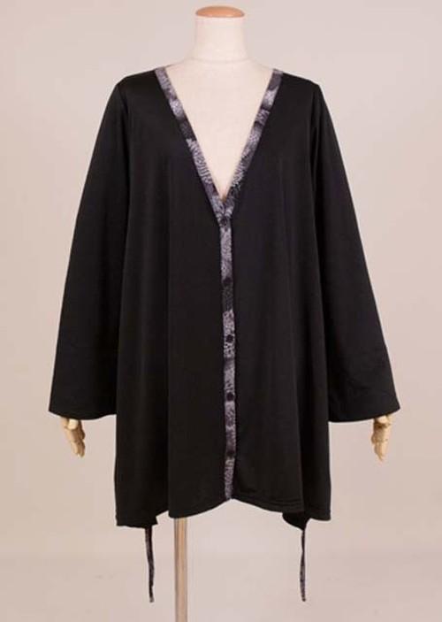 gouk 左裾に千鳥の刺繍が入ったAラインな羽織 黒に黒菊和柄 GGD27-Z113 BK/M