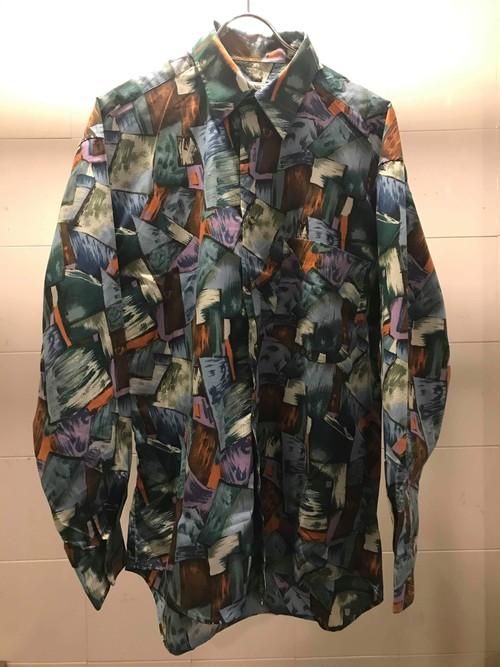 ステンドグラスの様な総プリントシャツ