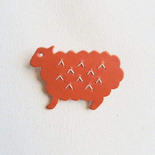 Leather brooch sheep R.BROWN