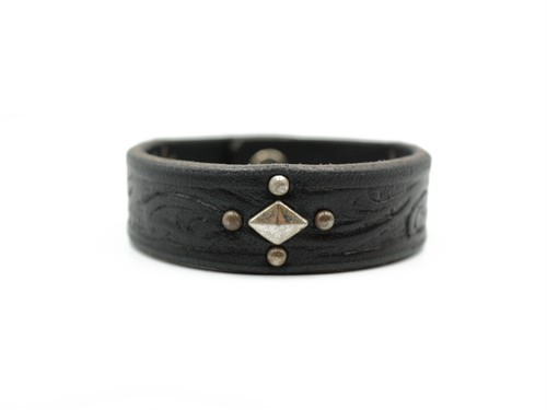 EMBOSSED STUDS BANGLE (CROSS & SUN)