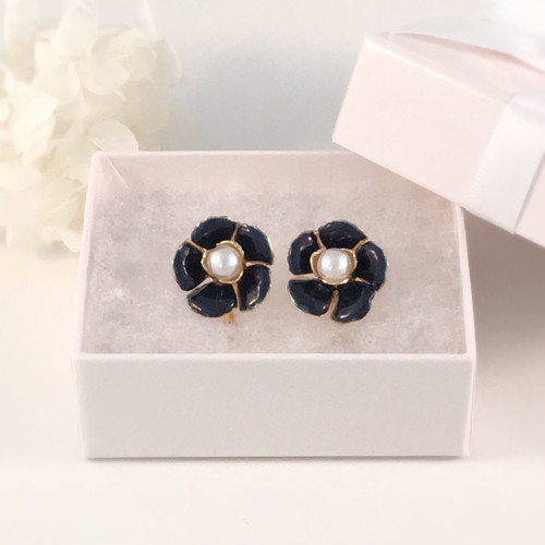 flower earring / navy .**(ピアス可)#020