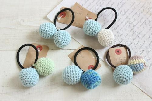 ぼんぼんヘアゴム*手編み 水色系/sakura 型番:H-34
