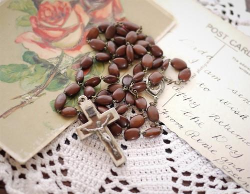 アンティーク ロザリオ 木の実 ビーズ 秘密の十字架