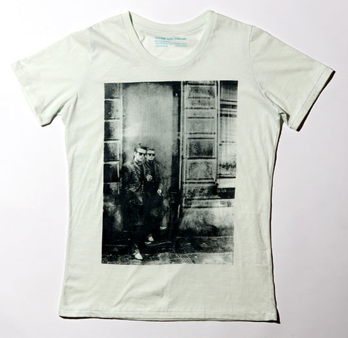 Astrid Kircherr Tシャツ(ライトブルー L)