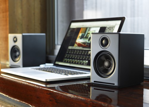 AUDIOENGINE A2+ POWERED DESKTOP SPEAKERS お取り寄せ