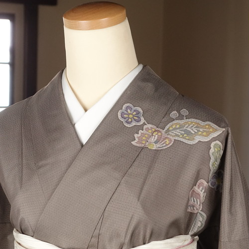 大島紬の訪問着(164cm・68.5cm)  大島紬【1675】