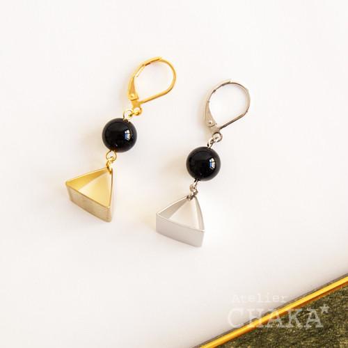 MONIR/ピラミッドピアス/オニキス