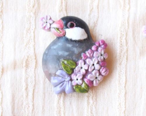 文鳥とライラックの願いごとブローチ(桜文鳥)