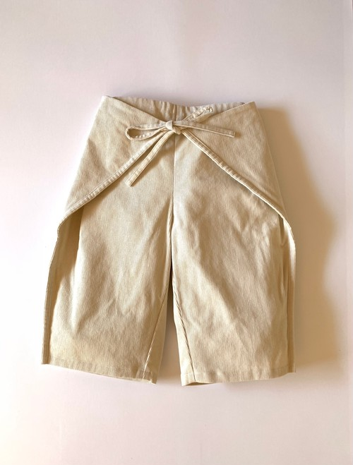 triangle pants col.ivory、col.beige