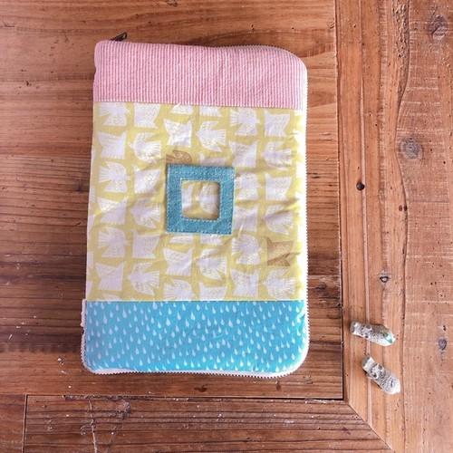 大きな母子手帳ケース*写真ポケット付き*ファスナー開き*A5サイズ*バード・キイロ