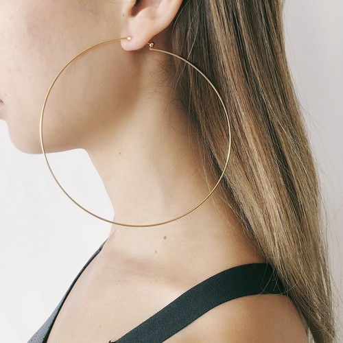 Super big hoop pierce / gold