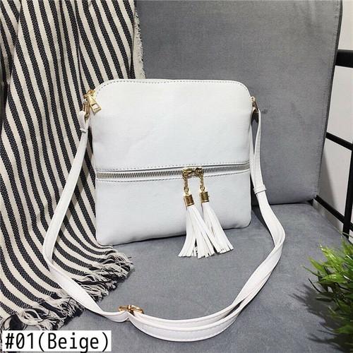 Small Shoulder Bag Messenger Bag Retro Leather Handbag Purse Crossbody Bag レトロ ショルダーバッグ レザー クロスボディ ハンドバッグ メッセンジャーバッグ タッセル 財布 パスケース (HF99-2111885)