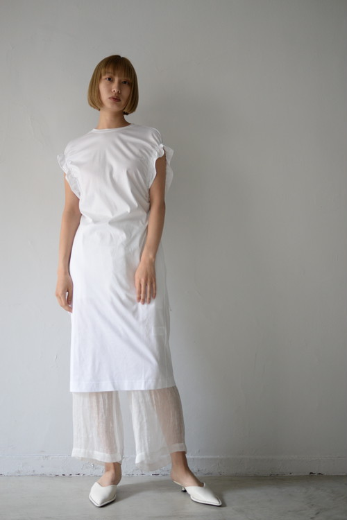 LOKITHO / GATHERED SLEEVE DRESS (white)