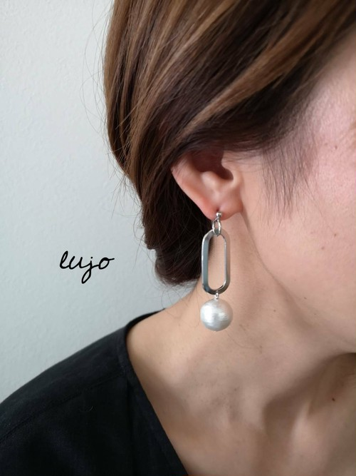 oval ring×cotton pearl ピアス(シルバー)