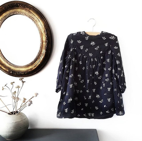 Little Cotton Clothes Marcie V Yoke Dress Charcoal Muslin Floral(12-18M〜4-5Yサイズ)