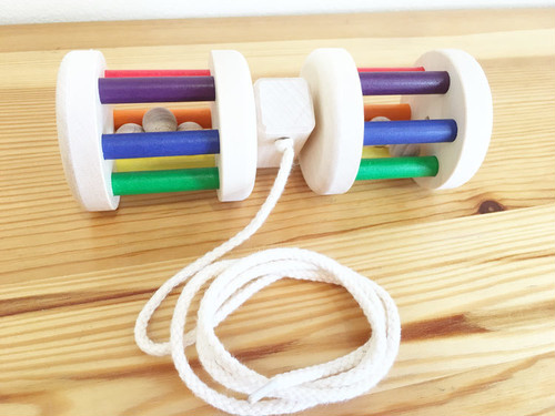 【0歳からのおもちゃ 出産祝い】 Praunheimer(プラウンハイマー) プルトーイ くるくるレインボー 五感を刺激します!