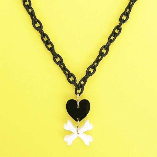 HEART BONES NECKLACE-black / c-hb002bk