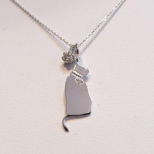 【猫のジュエリー】K18WGダイヤモンドチャーム付き2WAY猫のペンダント