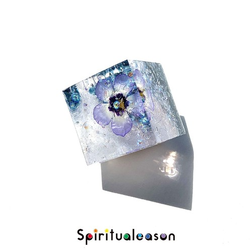 【春宵の星の瞬き】ギリアトリコロールのオルゴナイトキューブ