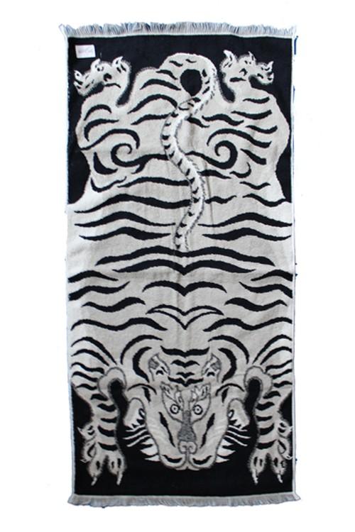 TIBETAN TIGER BLANKET TOWEL(CAL O LINE)