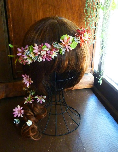 アンティークピンクデージーのハーフ花冠(カチューシャスタイル)とフラワーパーツ