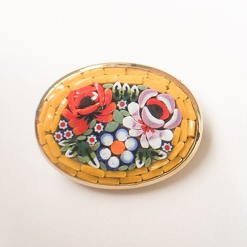 micro mosaic yellow brooch[b-215]