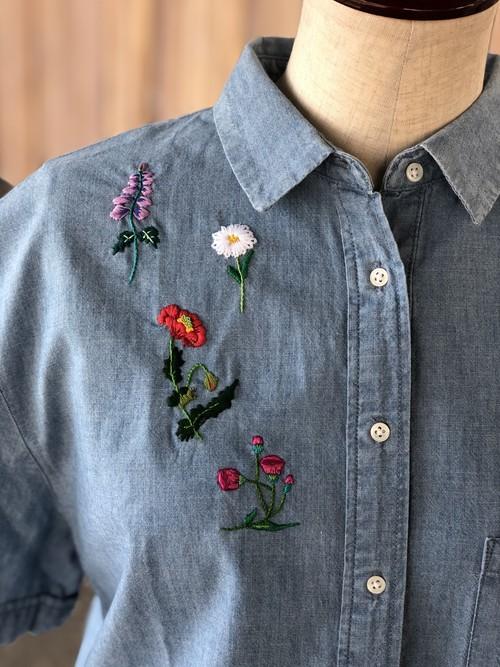 CoresVivasさんの手刺繍リメイク_シャンブレーシャツ