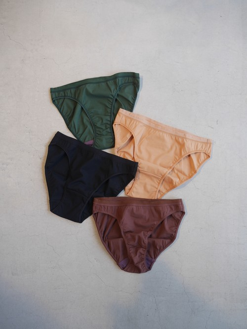OVERNEATH / SMOOTH (Briefs / 007)