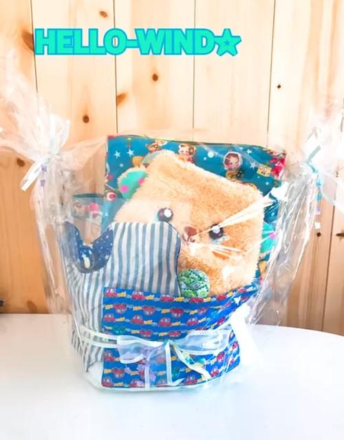HELLO-WIND出産祝い男の子用おむつケーキ♪プレゼントにどうぞ。