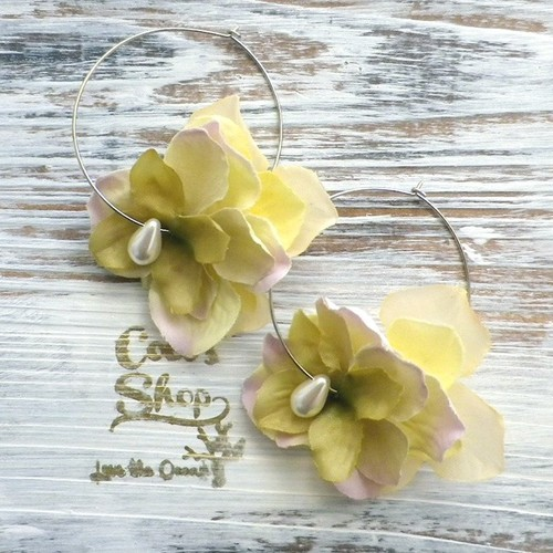 Girly Flowers  Pierce -Olive-