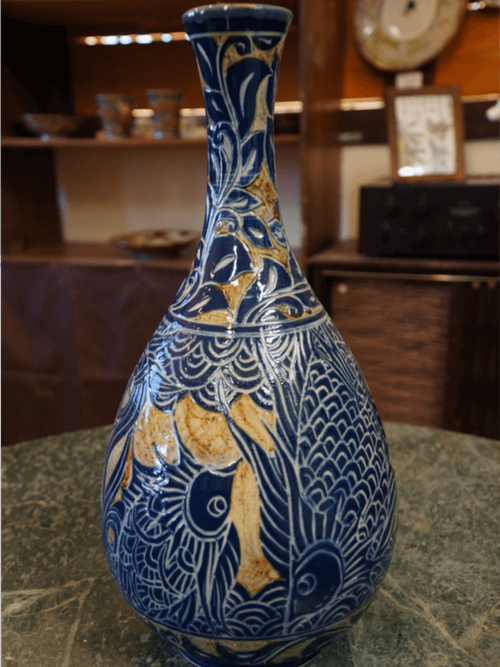 線彫り魚紋の壷 金城陶器秀陶房 やちむん
