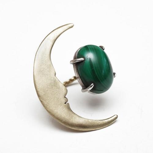 大きなお月さまとマラカイトの指輪