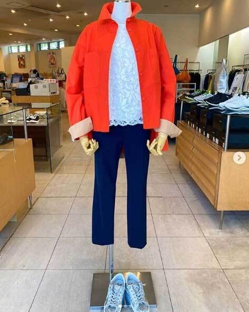DOSDIOSAS(ドスディオサス)バックティアード バイカラーシャツ ジャケット