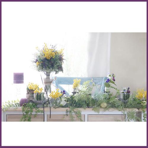 「ミモザの春ウェディング」メインテーブルフラワー